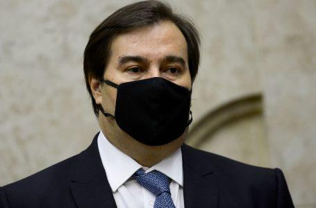 Rodrigo Maia afirma que Bolsonaro tem culpa pelas 200 mil mortes da Covid-19