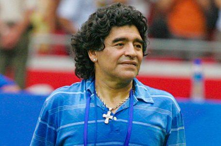 Argentinos se despedem de Maradona, em Buenos Aires