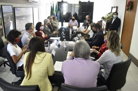 Governo do RN e prefeitura acordam solução para a ocupação instalada no antigo prédio da Faculdade de Direito