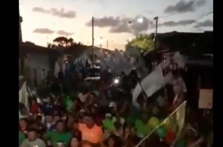 Acabou a pandemia? Últimos atos de campanha reúnem multidões no interior do RN