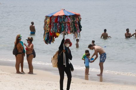 Cidade do Rio retoma atividades econômicas; praias estão liberadas