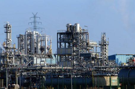 Produção e empregos estão em alta na indústria, diz CNI