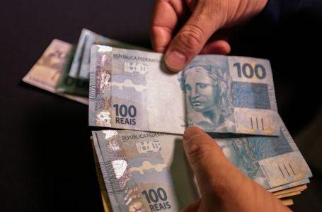 Salários atrasados serão pagos a partir de janeiro, garante secretário de Tributação