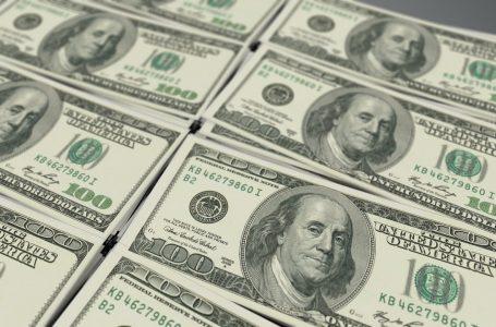 Dólar cai para R$ 5,31 e fecha no menor valor em dois meses