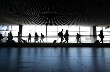 Covid-19: Estados Unidos vão exigir teste negativo a passageiros do Reino Unido
