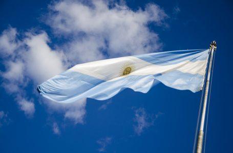 Argentina anuncia início de vacinação com Sputnik V ainda em 2020