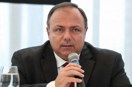 Ministro da Saúde diz que vacinação de grupos prioritários deve começar em janeiro