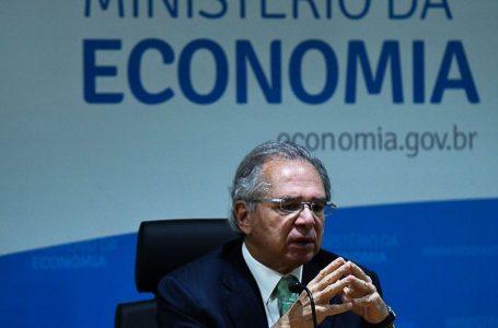 Paulo Guedes Guedes anuncia antecipação de 13º de beneficiários do INSS