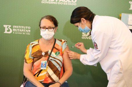 Mais de 1 milhão de pessoas já foram vacinadas contra a Covid-19 no Brasil
