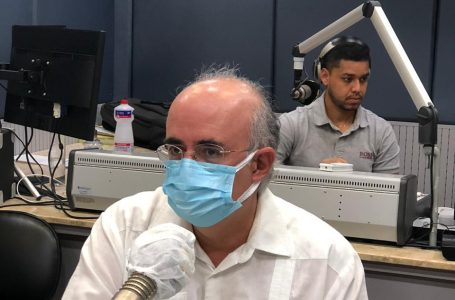 Eficácia da Coronavac é suficiente para conter avanço da pandemia, diz infectologista