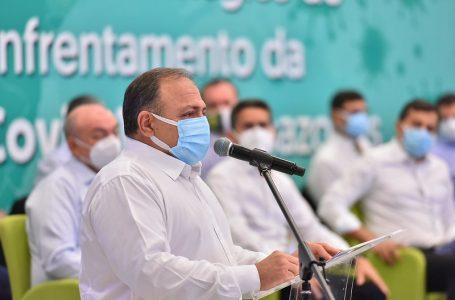 Sem data para início da vacinação, Ministério da Saúde adia reunião com governadores