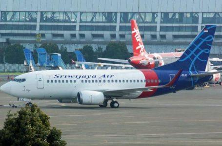 Avião com 62 pessoas cai na Indonésia