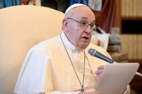 Papa Francisco critica quem é contra vacina