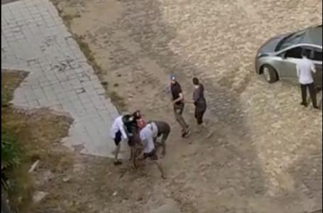 Torcedor é agredido na rua por torcida de time rival [Vídeo]