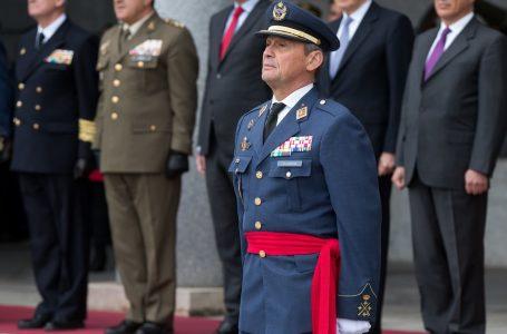 Chefe de Estado pede demissão após furar fila de vacina na Espanha