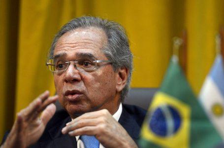 Programa de corte de jornadas e salários deve voltar, diz Paulo Guedes