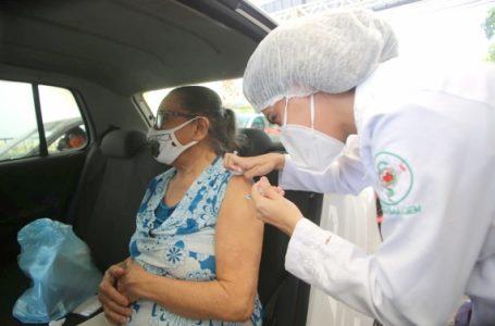 Natal inicia vacinação de idosos de 72 anos e retoma a de profissionais de saúde nesta quinta-feira (25)