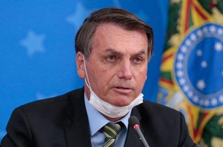 Presidente Jair Bolsonaro deve se vacinar neste sábado (3) contra a Covid