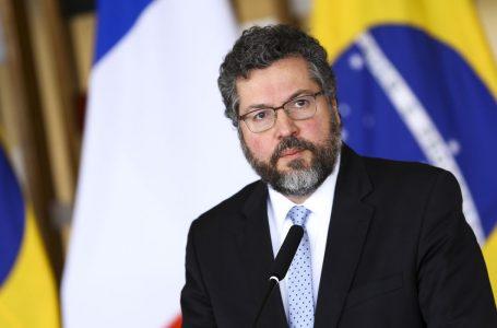 Ministro Ernesto Araújo pede demissão do cargo