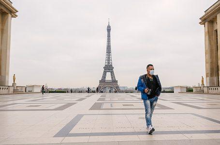 França endurece confinamento e impõe toque de recolher por quatro semanas após alta de casos de Covid