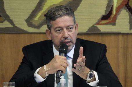 Lira insinua impeachment de Bolsonaro caso combate à pandemia não melhore