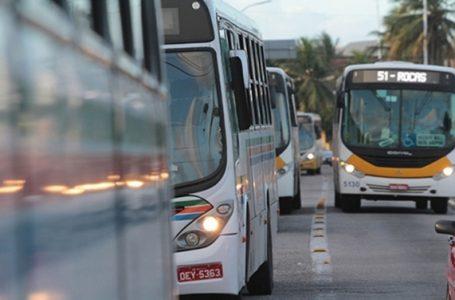 Após fala de secretário, STTU diz que 50% da frota de ônibus circulou no início das medidas restritivas