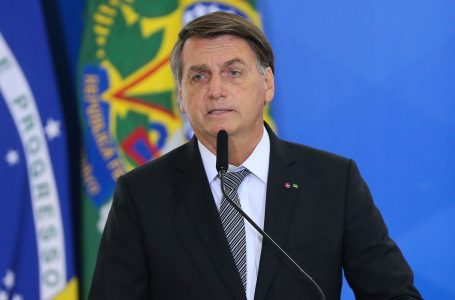 Bolsonaro afirma que decreto contra medidas restritivas está pronto: 'Só falta assinar'