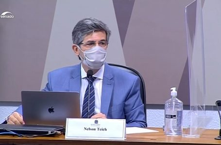 Teich diz que pediu demissão diante do desejo do governo de ampliar uso da cloroquina