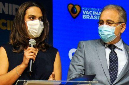 """Ivermectina """"mal funciona para piolho"""", afirmou nova secretária de Saúde"""