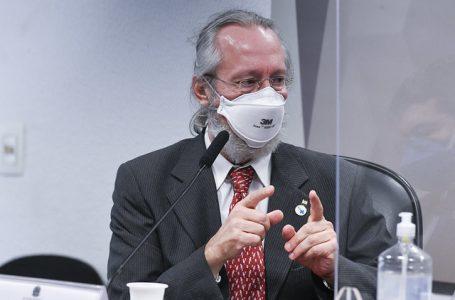 Ao buscar 'imunidade de rebanho', governo trata população como animais, diz Maierovitch na CPI