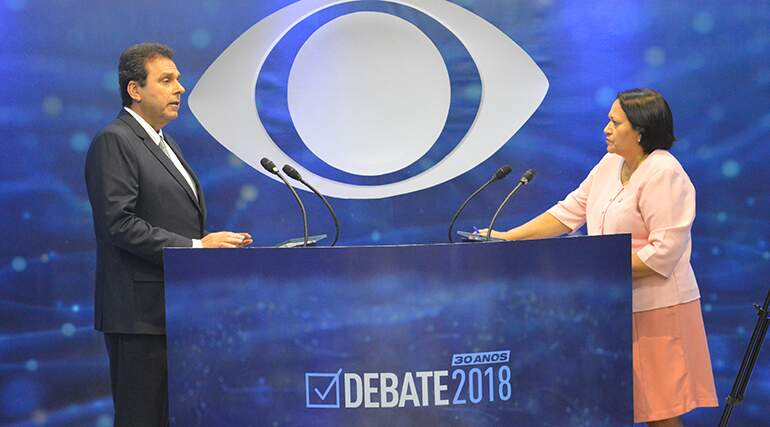 """Carlos Eduardo diz que não descarta ser candidato a senador em chapa com  Fátima: """"Vamos dialogar"""" - Rádio 98 FM Natal"""