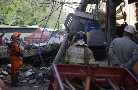 Construtor de prédio que desabou no Rio diz que obra era irregular
