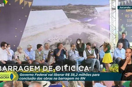 Em evento no RN, Bolsonaro pede que menina de 10 anos retire máscara