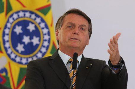 "Bolsonaro sobre Presidente do TSE: ""Se urnas são confiáveis, dá um tapa na minha cara"""