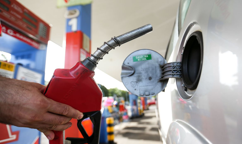 Variação de preço da gasolina entre postos do RN é a 2ª menor do Nordeste - Rádio 98 FM Natal