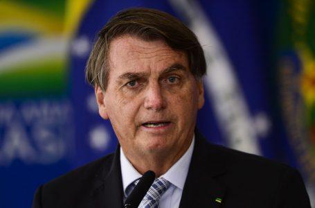 Em discurso, Bolsonaro diz que não teme pressões: 'Meu couro é grosso'