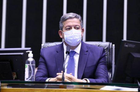 Após ação de Lira, manifesto que pede pacificação entre Poderes é adiado; leia texto que seria divulgado