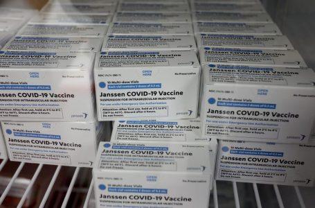 Anvisa pede inclusão de eventos adversos na bula da vacina da Janssen