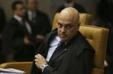 Moraes devolve ação, e decretos de Bolsonaro sobre armas voltam a plenário do STF