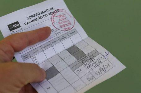 Venda de certificados falsos de vacinação leva a golpes digitais