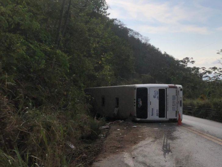Segundo a PRF-CE, o acidente foi registrado por volta das 3 hora da madrugada desta sexta-feira. — Foto: PRF-CE